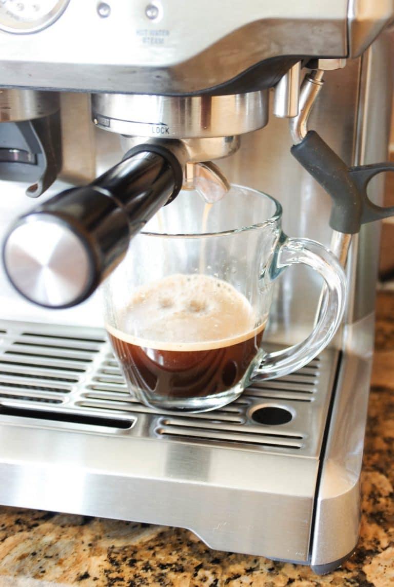 Breville Barista Express making creama espresso