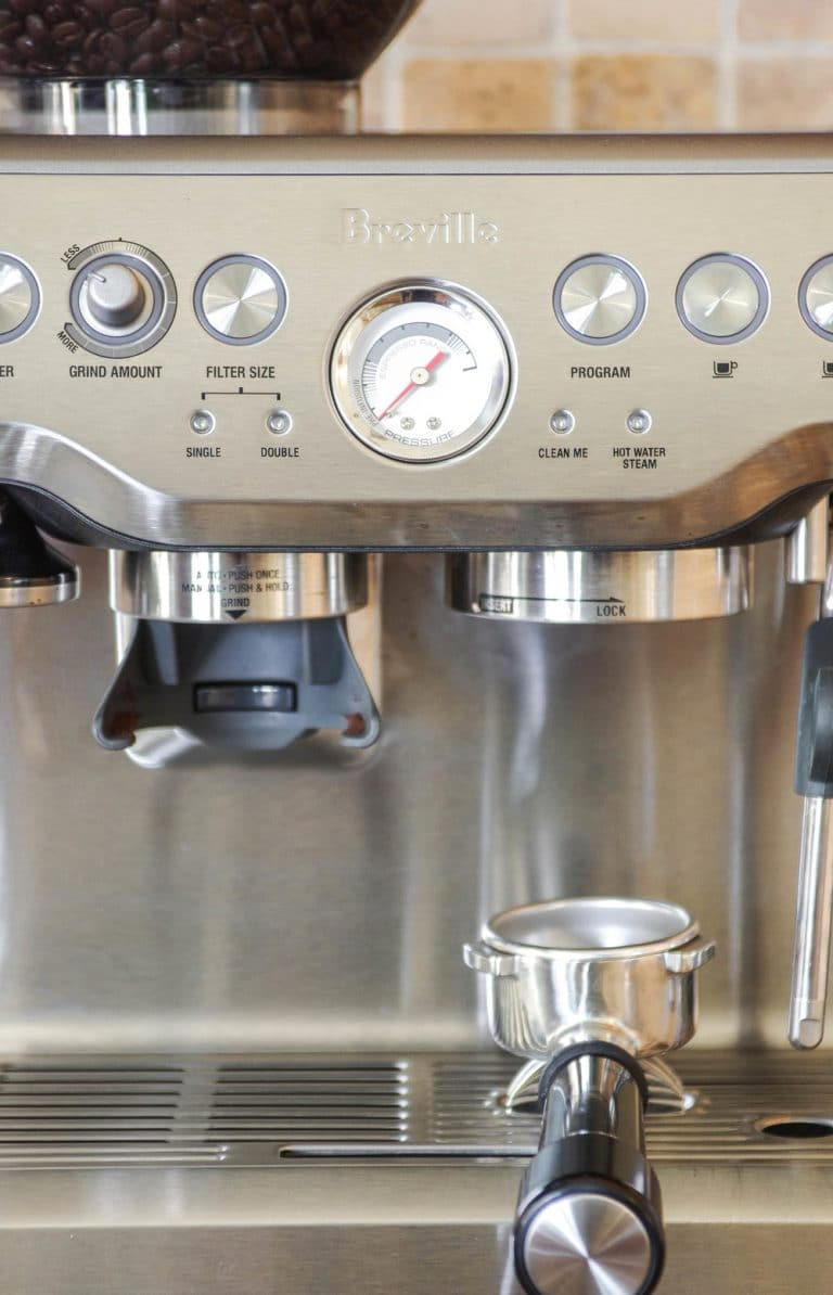 close up of Breville Barista Express