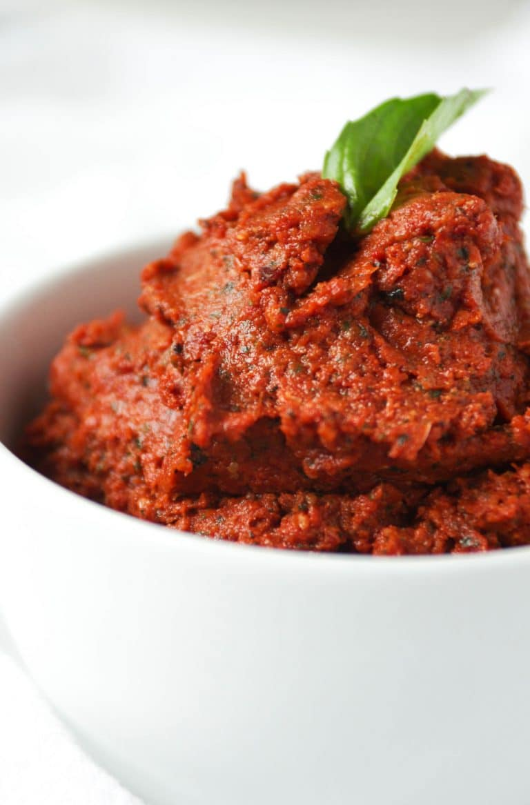 close up of Sun Dried Tomato Basil Pesto